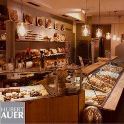 Angebote von Restaurants im Hubert Auer Backhaus Prospekt ( 14 Tage übrig)